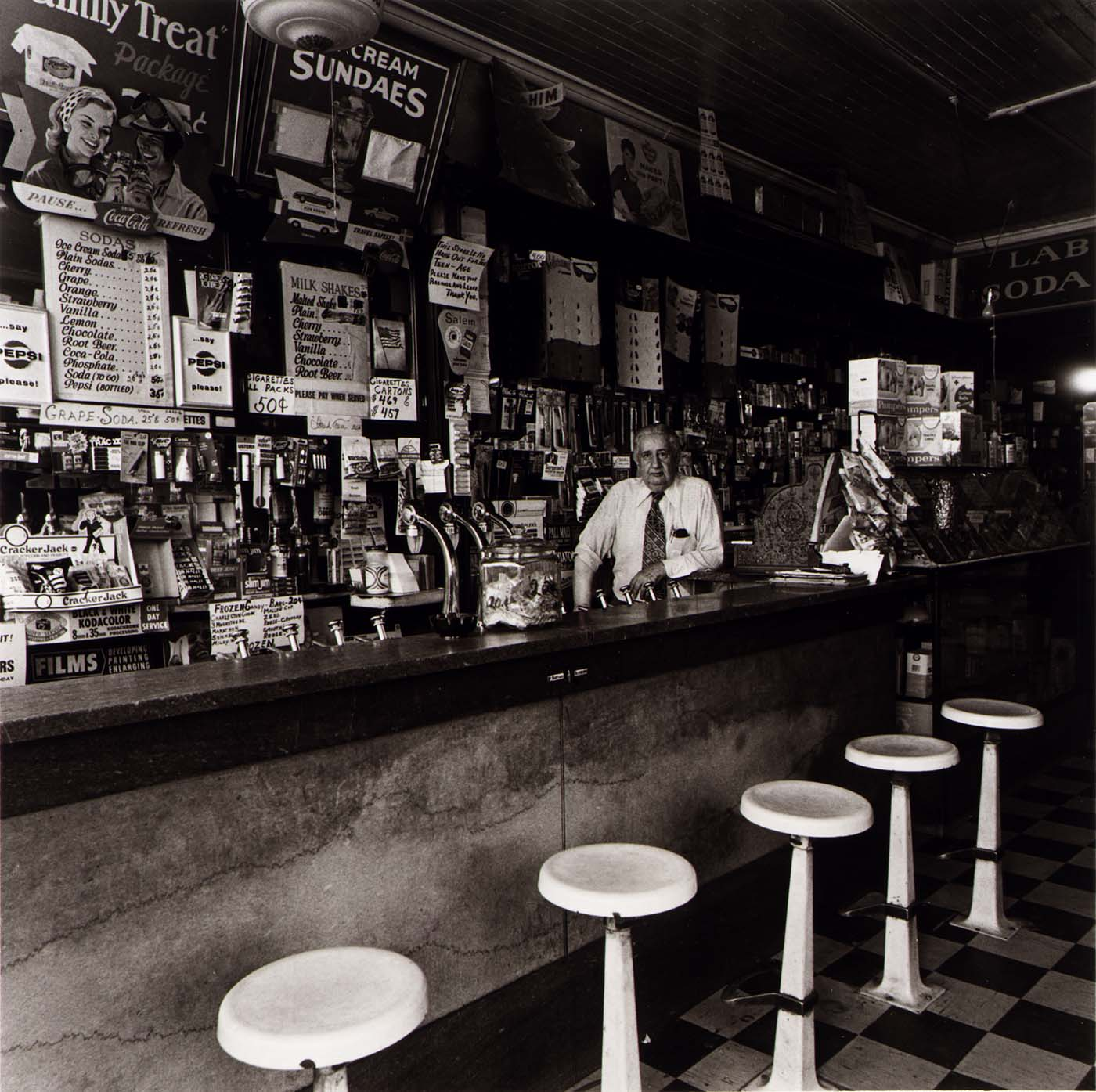 Help Identify This Ice Cream and Soda Shop From 1975