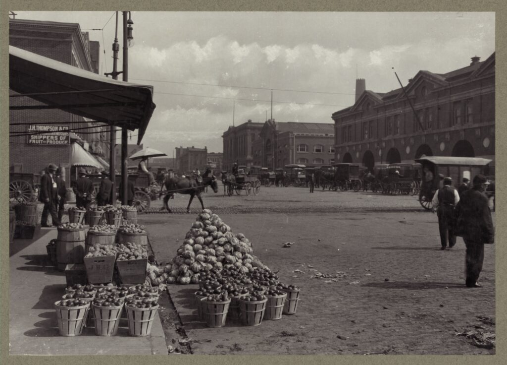 Centre vegetable market between 1890 and 1910