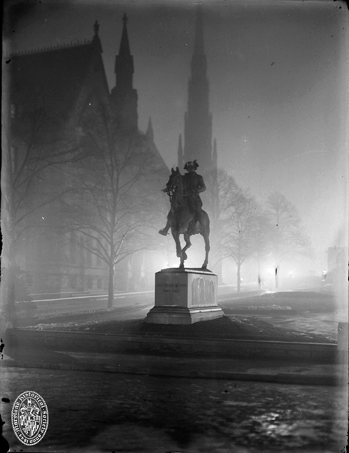 John Eager Howard monument, Mount Vernon, Baltimore, 1909. Robert L. Harris Collection, Baltimore City Life Museum Collection