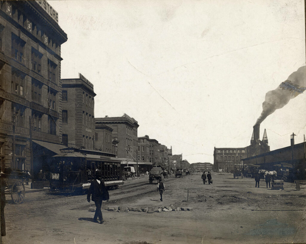 100 block of E. Pratt St. in 1908