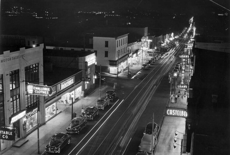 In this November 1950 picture Kniesche show a nighttime picture of the 3400 block of Eastern Avenue looking west in Highlandtown. (Robert F. Kniesche/Baltimore Sun)