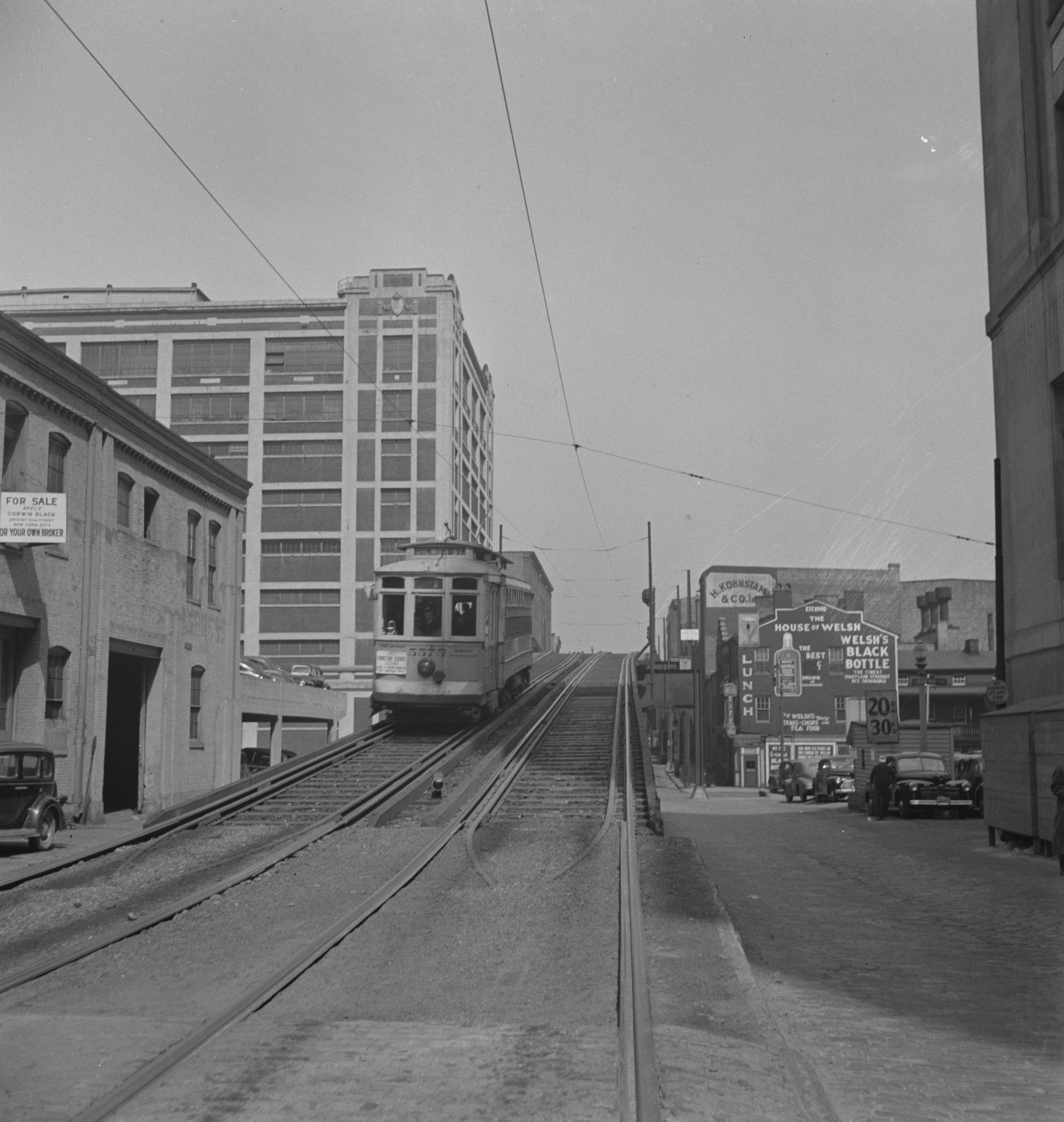 Elevated Streetcar of Baltimore in 1943
